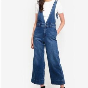Free People Pants - Free People A-line Overalls Medium Wash Sz 6